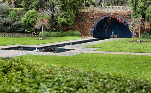 pioneer-womens-memorial-garden